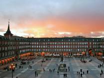 Plaza mayor al atardecer